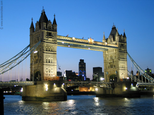 london-tower-bridge-at-dusk