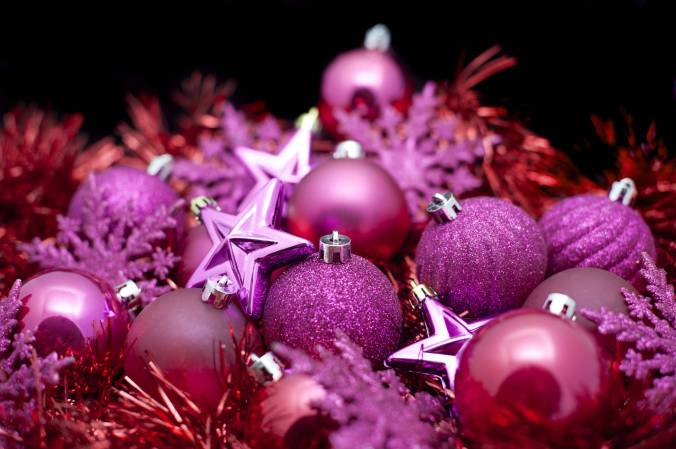 pink_christmas_baubles-2